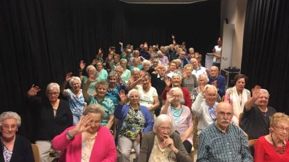 Rusthuisbewoners genieten van optreden Barbara Dex