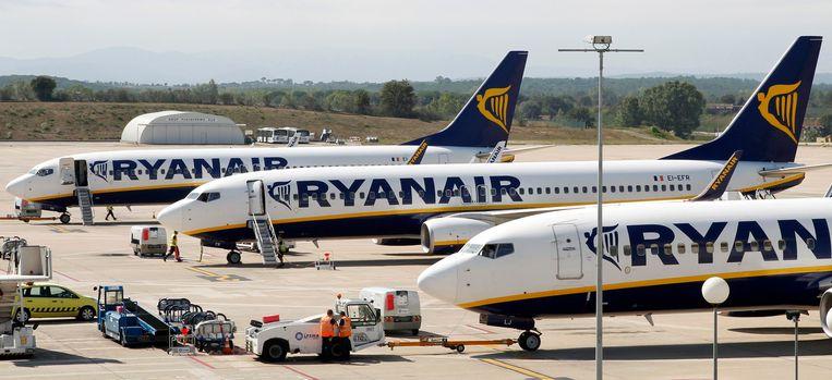 Ryanair-vliegtuigen op de luchthaven van Gerona.