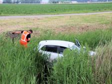 Automobilist verlies macht over stuur en crasht in sloot bij Terneuzen
