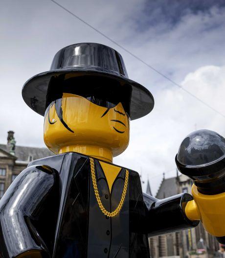 Kunstenaar baalt: Lego-beeld André Hazes al na zes dagen onthoofd