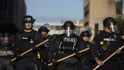 """LIVE. Obama roept betogers op te stoppen met geweld - 1 persoon overleden nadat politie """"terugschiet"""""""