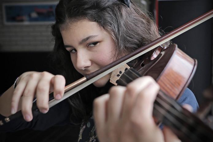Iris van Nuland staat op 6 februari in de finale van het Nederlandse Vioolconcours in Utrecht.