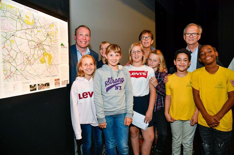 In bijzijn van verschillende scholieren werd in Buggenhout de Schoolroutekaart voorgesteld.