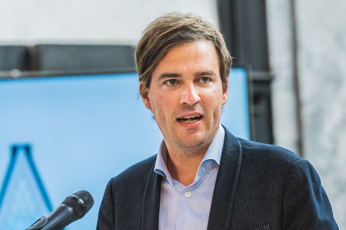 """Mathias De Clercq: """"Een heksenjacht wordt het niet, maar wie de regels overtreedt, mag zich aan een boete verwachten."""""""