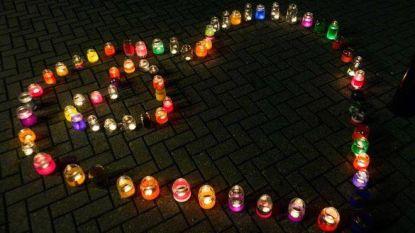 Inwoners Vorselaar branden kaarsjes voor Wereld Lichtjes Dag