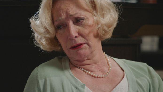 Marianne blijft haar onschuld uitschreeuwen, zelfs na de belastende verklaringen van Hélène en William