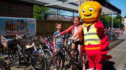 Basisschool Cade pakt uit met nieuwe fietsenstalling
