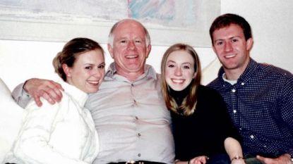 Zijn familie bleef dertig uur lang aan de telefoon. Tot hij stierf aan coronavirus