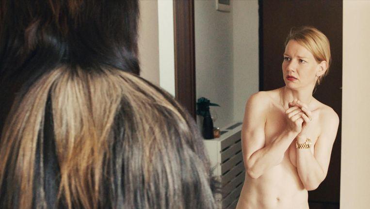 De Duitse actrice Sandra Hüller speelt dochter Ines Beeld Toni Erdmann