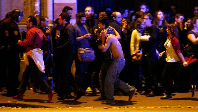 Chaos buiten het Bataclan.