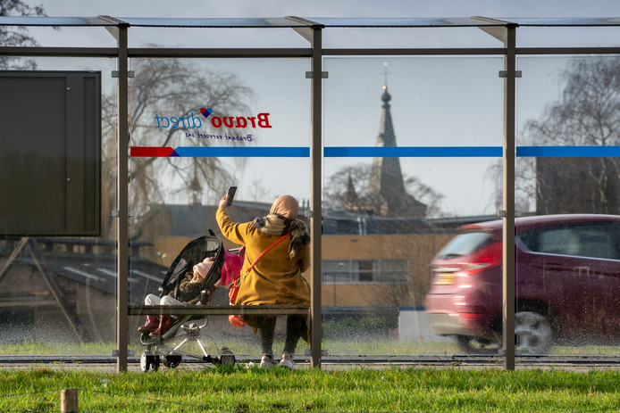 De bushalte aan de Steeg in Schijndel behoort bij de vijf mooiste plekken van Meierijstad. Vooral vanwege het uitzicht, aldus inzender Yvonne van Abeelen. Zij geniet altijd van het uitzicht op de kerk, Bolsius, het politiebureau en 't Spectrum.