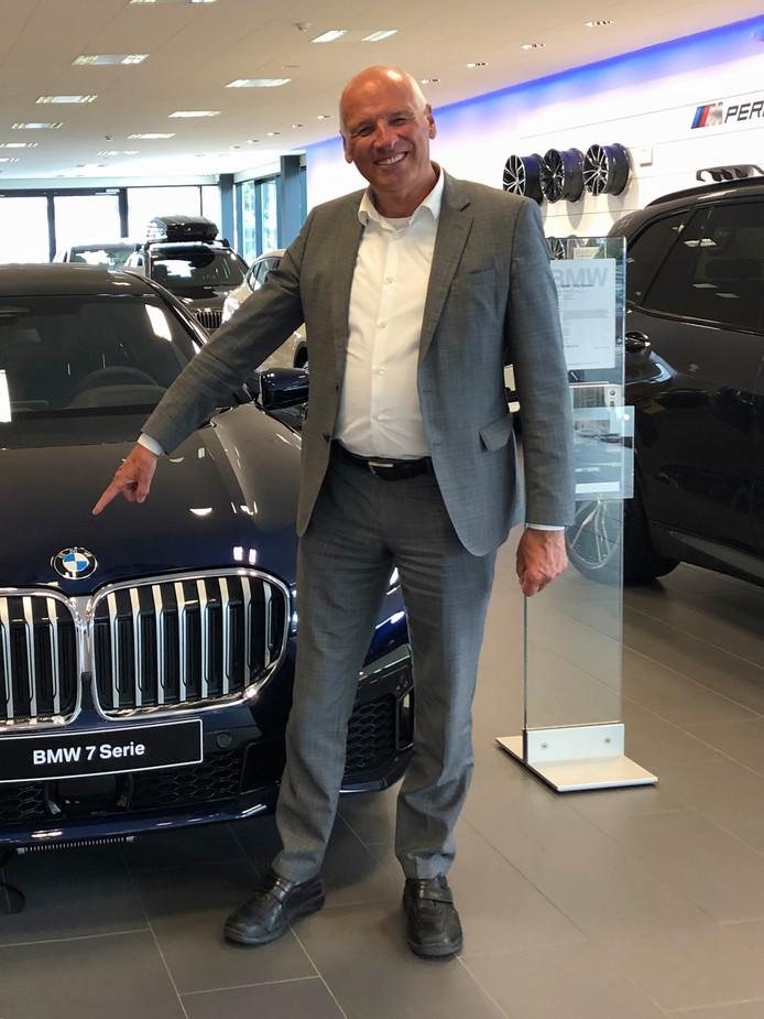 Dirk Jacob 'Dick' van Ekris was landelijk directeur van autobedrijf Ekris én een man die van betekenis was voor de Nederlandse autosport.