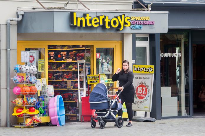Intertoys telt zo'n 500 winkels in Nederland, België, Duitsland en Luxemburg.