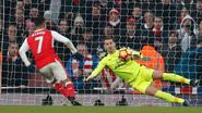 Sanchez houdt Arsenal in titelrace na winning goal in 98'