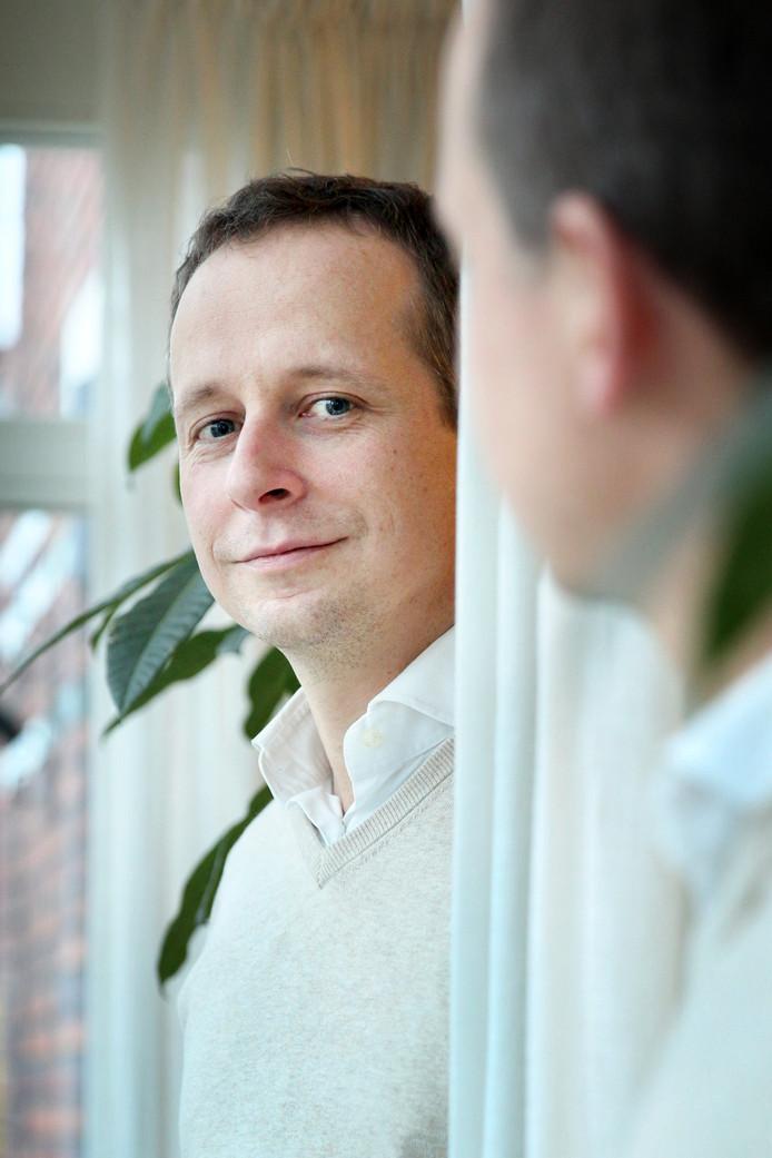 """Arnout Hoekstra wilde aanvankelijk zijn hele leven vrijgezel blijven: ,,Maar mijn huidige vrouw bracht me tot andere inzichten."""""""