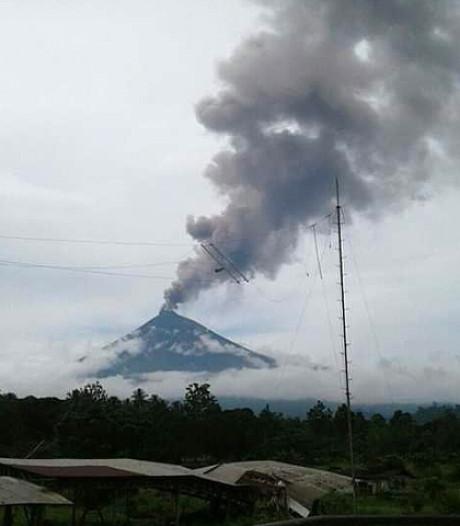 Levensgevaarlijke vulkaan Papoea-Nieuw-Guinea wakker geworden