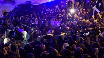 LIVE. Woedende Catalanen opnieuw slaags met politie in Barcelona