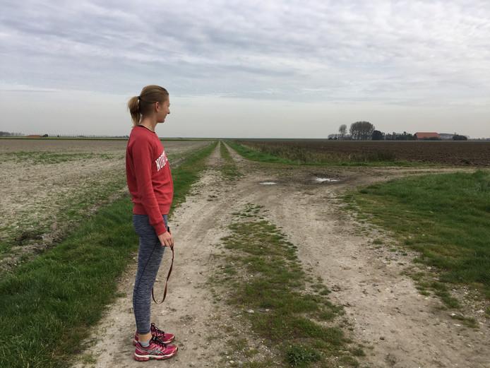 Rondje joggen in de polder met vriendin Eline
