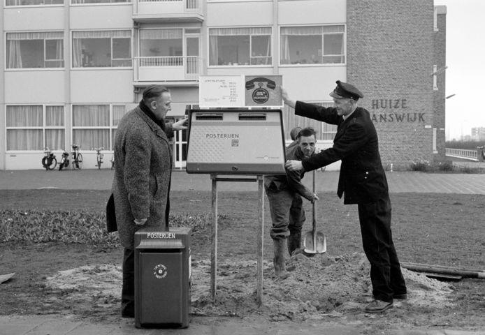 De eerste tweelingbus in Utrecht in 1965.