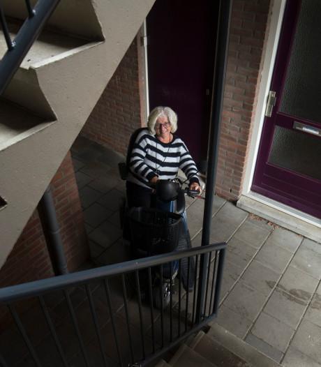 Wijna (72) kan haar scootmobiel eindelijk veilig parkeren
