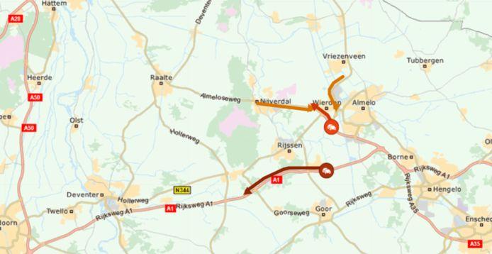 De file op de A1 tussen afrit Rijssen en afrit Lochem dinsdagochtend en de opstoppingen op andere wegen nadat een vrachtwagen zich klem reed op de N35.