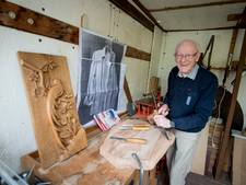 Martien van der Heijden (86) uit Holten: 'Mooi dat mensen mijn houtsnijkunst zien'
