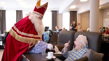 Sinterklaas brengt senioren een bezoekje