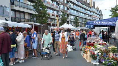 """Marktkramers tevreden met eerste 'volwaardige' markt in maanden: """"Eindelijk weer op ons vaste plekje"""""""