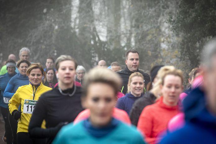 Beeld van de 35ste editie van de Snertloop, vorig jaar, toen de 1,5 metersamenleving nog niet bestond.