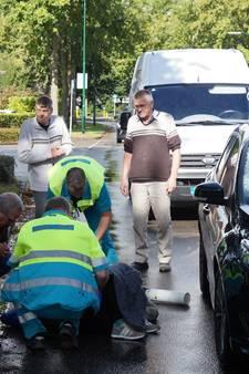 Meisje zwaargewond na aanrijding met auto in Kaatsheuvel, traumaheli geland