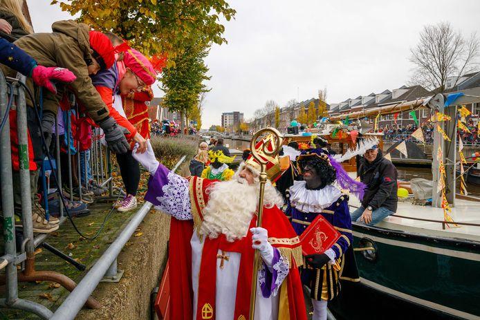 Intocht van Sinterklaas zaterdagmiddag in Steenwijk.