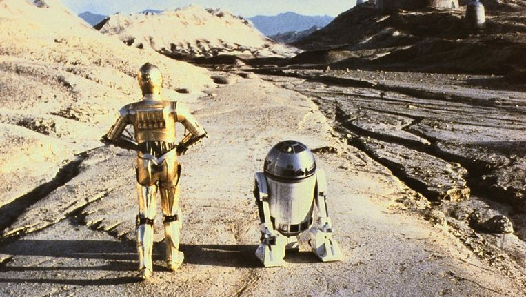 Scene uit de SF-film Star Wars Episode VI: Return of the Jedi (1983) met de Droids C-3PO en R2-D2. © Kippa Beeld