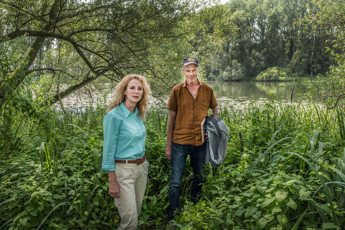Anke Dielissen van ARK met Frank Saris.