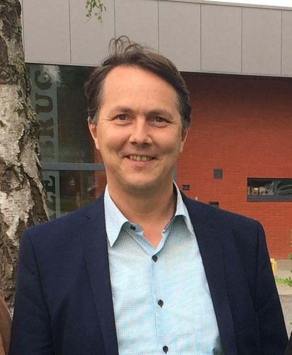 Laurent Hoornaert, voorzitter van Tope 8920, kwam met het voorstel om raadsleden die deelnemen aan adviesraden 15 euro presentiegeld per prestatie te geven. Het voorstel werd afgewezen door de gemeenteraad.