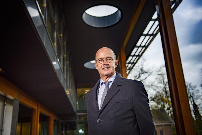 Burgemeester Alex van Hedel blikt terug op een politiek turbulent jaar in Brummen.