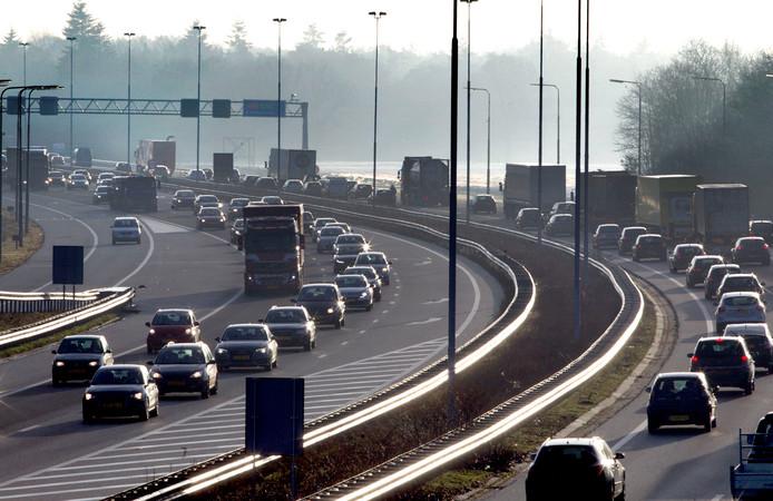 Een dagelijks terugkerend beeld: filevorming op de A58 tussen Tilburg en Eindhoven.