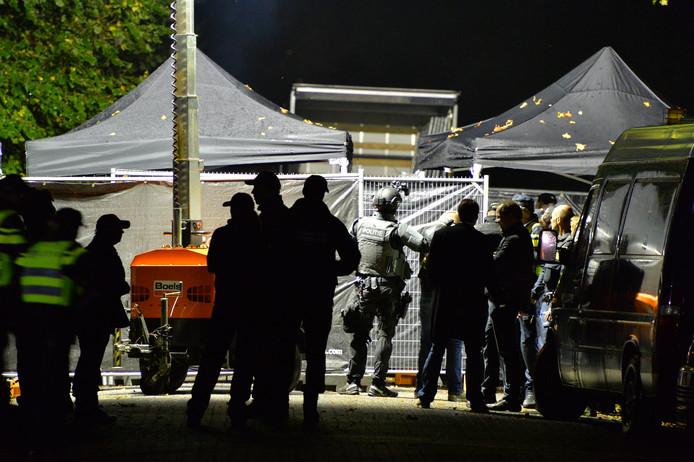 Vorig jaar werd een inval gedaan in het clubhuis van Satudarah in Apeldoorn. Motorclubs kunnen een vorm van ondermijnende criminaliteit zijn.