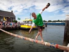 NK Sprietlopen: Jaarlijkse folklore in Puttershoekse haven begon aan de bar