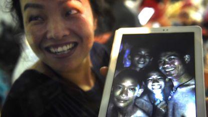 """Gevonden voetballertjes kunnen nog zeker vier maanden vastzitten in Thaise grot: """"Ze krijgen eten, medicijnen en duiklessen"""""""