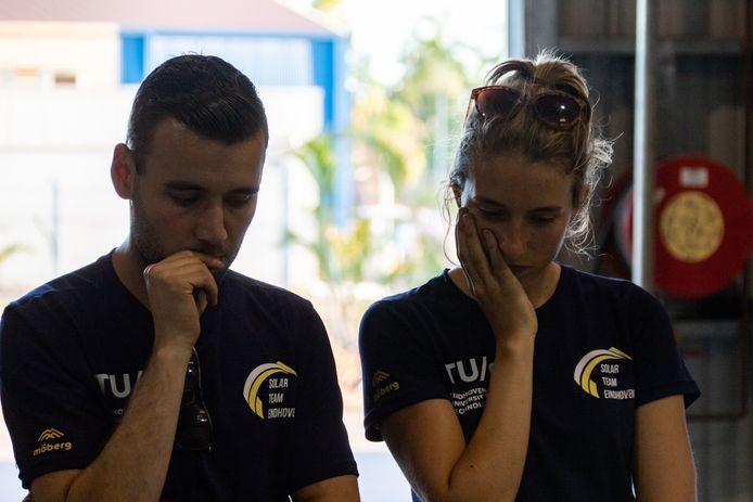 De studenten van Solar Team Eindhoven in hun werkplaats in het Australische Darwin tijdens de voorbereidingen voor de World Solar Challenge