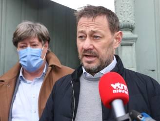 """Bart De Pauw na afloop van de zitting: """"Ik heb me eigenlijk nooit verdedigd. Ik zou dat graag in de rechtbank willen doen"""""""
