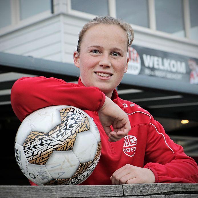 Michelle Hendriks voetbalt bij Nooit Gedacht.