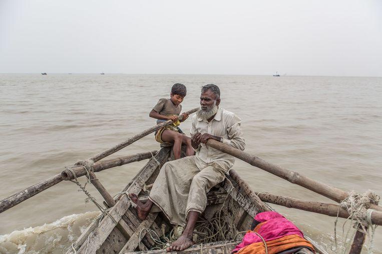 Abdul Malek is visser geworden, ook al kampte hij anderhalf jaar met zeeziekte. Beeld Reza Shahriar Rahman