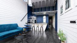 Klassiek blauw, akoestische meubels en je huis online (ver)kopen: dit zijn de woontrends van 2020