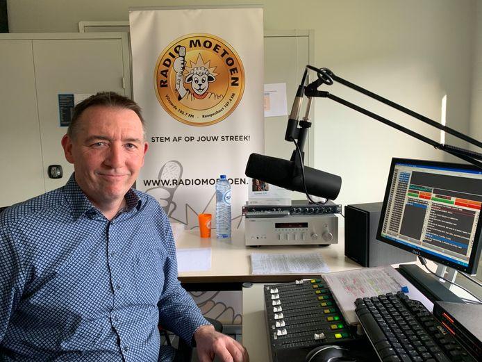 Radio Moetoen foto uit archief
