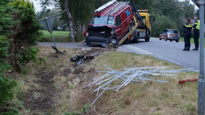 Bij de aanrijding met een busje en een vrachtwagen in Rietmolen raakte niemand gewond.