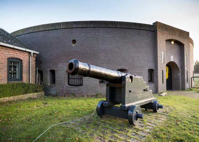 De Vestingloop leidt onder meer naar Fort Orthen, dat in 1852 geheel is herbouwd,