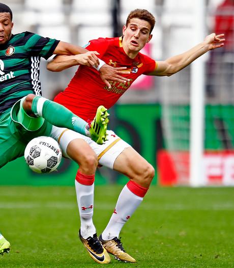 AZ breekt contract met talent Til open