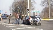 Bestuurder rijdt door piket: twee gewonden