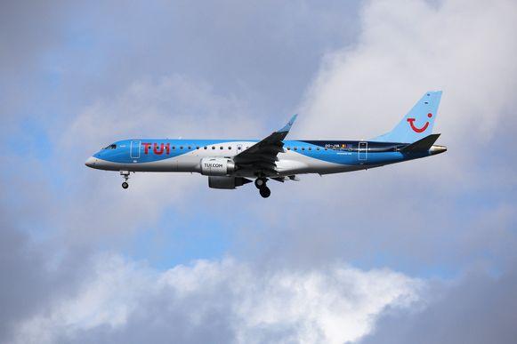 Beeld ter illustratie, een vliegtuig van TUI bij de luchthaven van Charleroi.